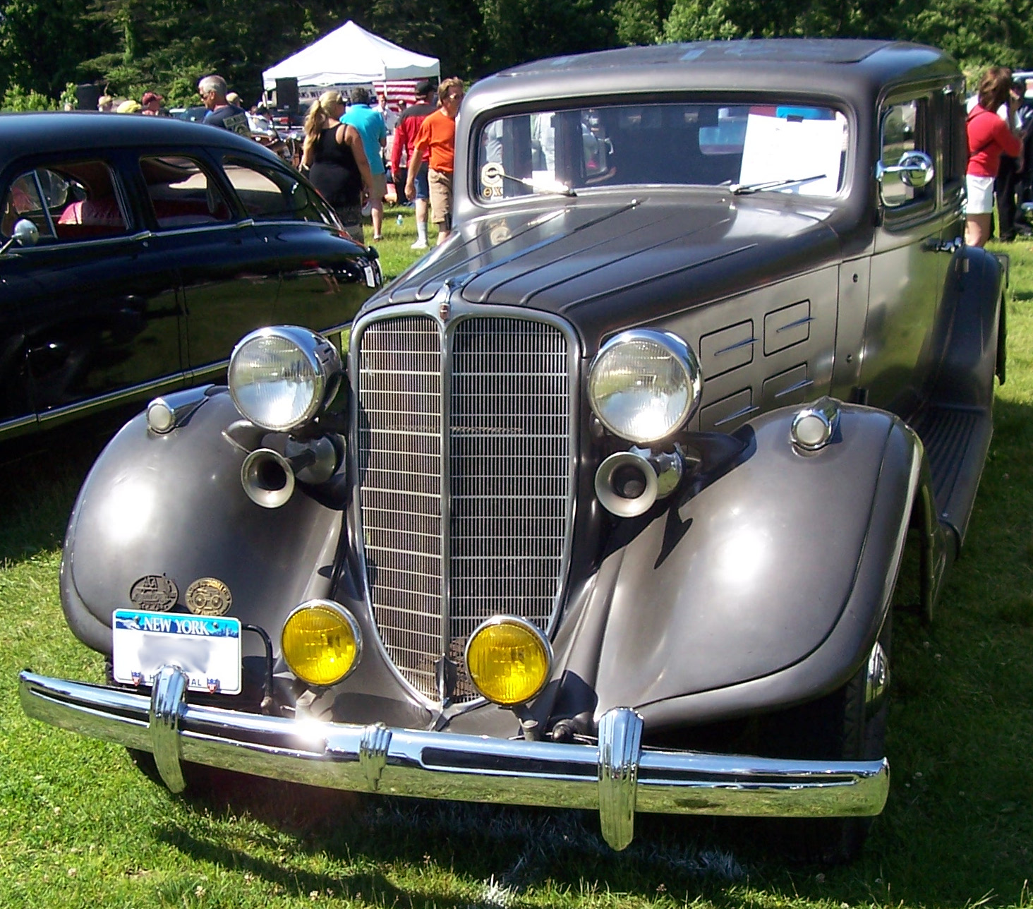 1934-Nash-Ambassador-Eight.jpg