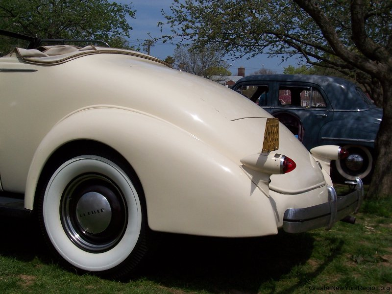 1935-lasalle-left-rear