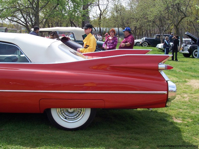 1959-cadillac-left-rear