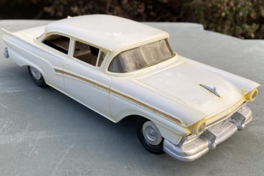 Custom 300 Tudor Sedan model