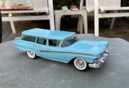 Product Miniature Country Sedan Station Wagon model